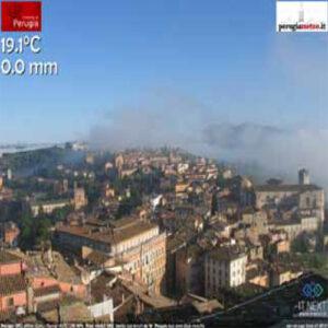 Uno screenshot del 1 agosto 2014 ore 7.45, della web cam posta al centro storico di Perugia